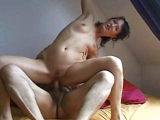 brunette mature babe driving her hubbys dick
