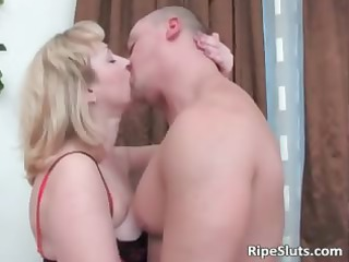 fat bleached woman in stockings gives part3