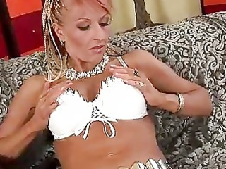 mature rose takes a filling into on her breast