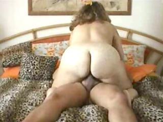 plump housewife riding dick