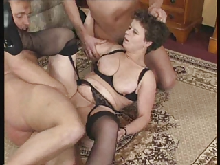 slutty mature - fucking and fingering