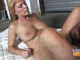 cougar mama nike moore gets bbc into her granny