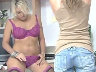 belle pushing dildo her pussy