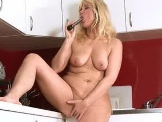 cougar milf gets off anywhere