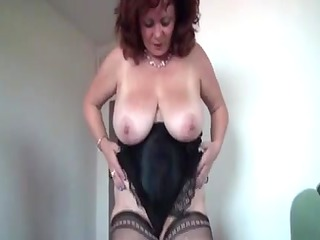 big lovely amp mommas pushing dildo