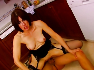 french cougar own fucked in dining room troia