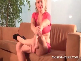 lusty mommy pleasing figure with a banana