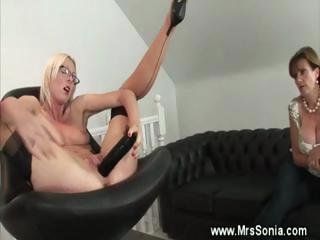 cougar spex enjoys with sex toys