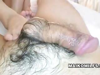 japanese mature babe gives footjob makoto abe
