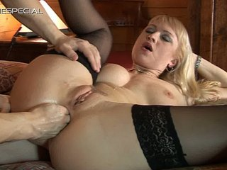 viva lady arse and fingering