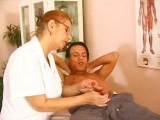 older medic fuck with fresh patient