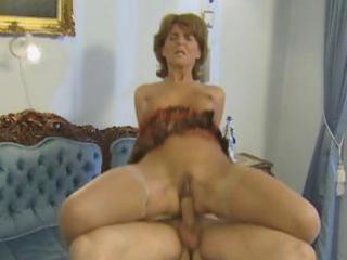 horny pale older likes a uneasy dick she sucks