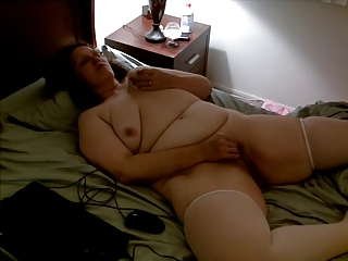naked plump woman