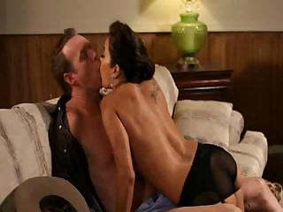 hot milf francesca le obtaining pierced