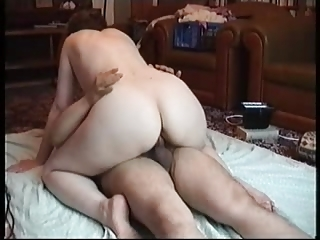lady with sweet arse drives her fluky husand