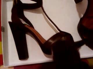 wife schuhe shoes cumshots