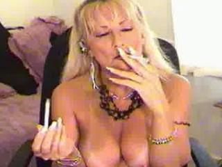 smoking like lady pale