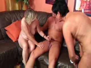 astonishing cougar threesome ffm